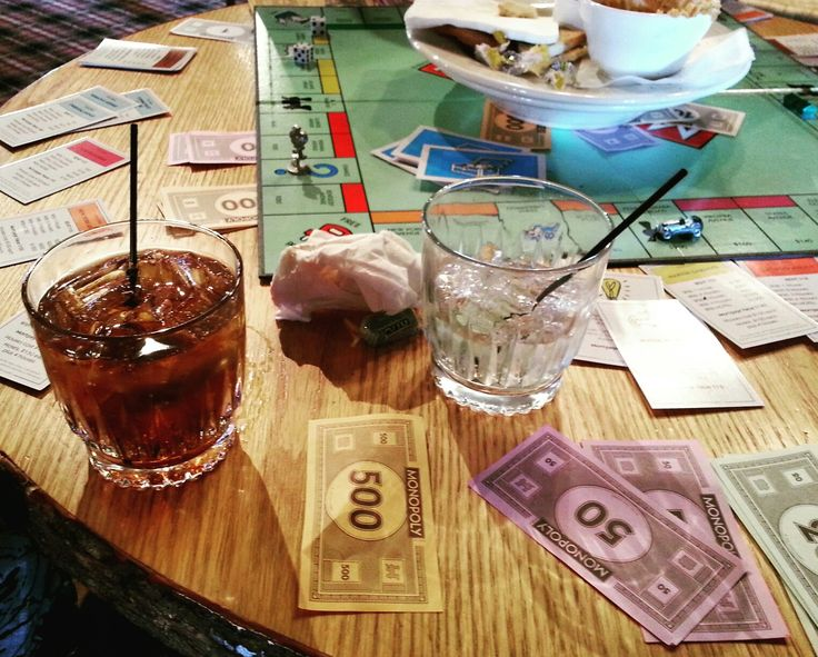 #Monopoly, #Family, a fantastic #Lodge, #Cocktails, the #Holidays, & Good #Food. Doesn't get any better . . #games #booze #cocktail #Martini #drinks #bar #booze #skiing #ski #snow #snowboarding #alcohol #bourbon #vodka #tequila #rum #whiskey #wine #moonshine #rockies #rockymountains #skiresort #Colorado