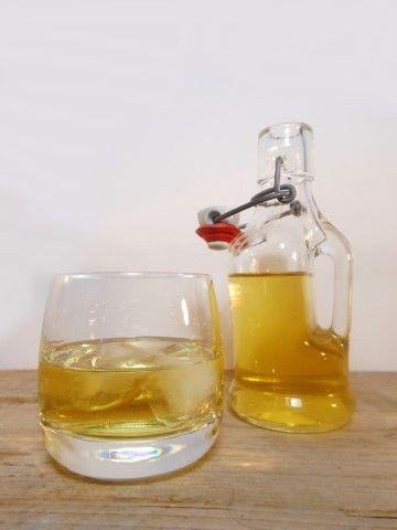 Traditioneel wordt limoncello gemaakt met citroenen uit de omgeving van Sorrento. Maar met goede biologische citroenen krijg je ook lekkere limoncello!