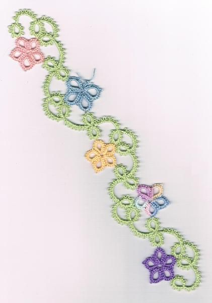 down the garden path bookmark. This is from a book called Tatting Treats Three and can be found at Handy Hands Tatting.