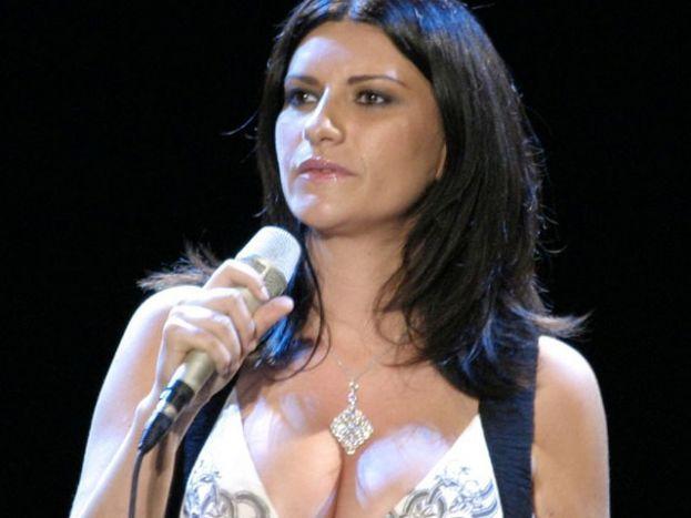 Laura Pausini a Taormina il 18 maggio 2014 con Emma, Mengoni, Antonacci e Mannoia  Il meglio della musica italiana live dal Teatro Greco