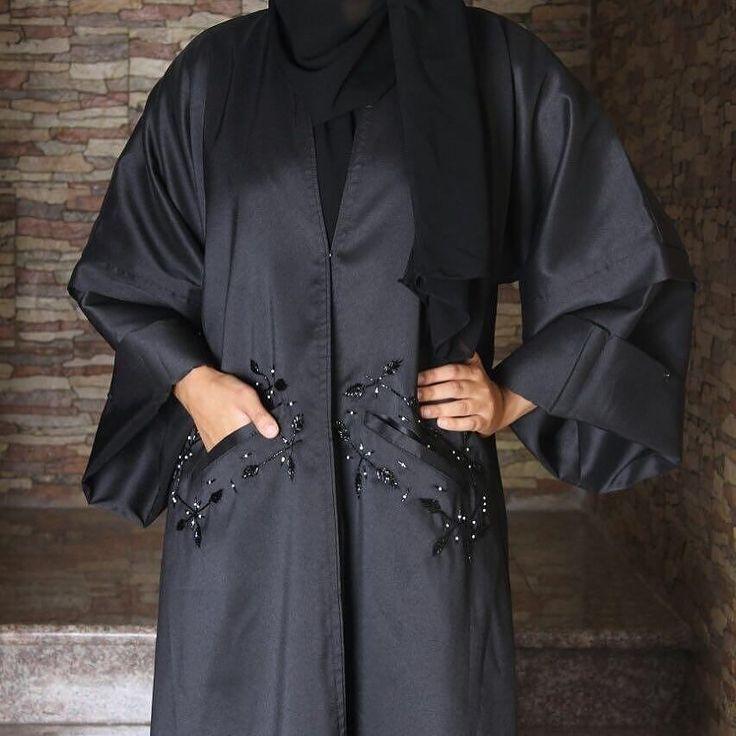 Repost @khadijahmashhour with @instatoolsapp #abaya #jeddah #style #bloggerstyle #riyadh #km #design #ss17 #eid #saudistyle #saudiarabia #saudiwomen #عباية for more information : 0557093370