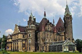 Moszna - Zamek z 99 wieżami. Atrakcje turystyczne Moszna. Ciekawe miejsca Moszna