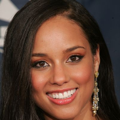 Alicia Keys Biography - Facts, Birthday, Life Story - Biography.com