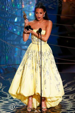 LAから実況中継第88回アカデミー速報2スター誕生ハリウッド大期待の美女アリシアヴィキャンデルが助演女優賞受賞