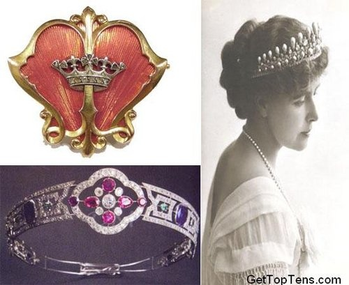 The stunning brooch and tiara belong to Queen Marie of Romania who was the eldest daughter of Prince Alfred, Duke of Edinburgh, and Grand Duchess Maria Alexandrovna of Russia. Her awesome and symbolic brooch is a Pecten shell shaped brooch with the crowned monogram of Princess Marie of Romania made by C. Faberge. Another beautiful piece that belonged to the Romanian royal family was tiara that is festooned with stunning gems and solid gold.