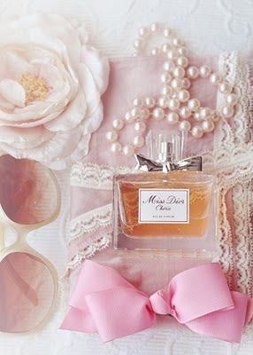 Things I love: pearls, lace, flowers, pretty pink, all things girly and Miss Dior Chérie!