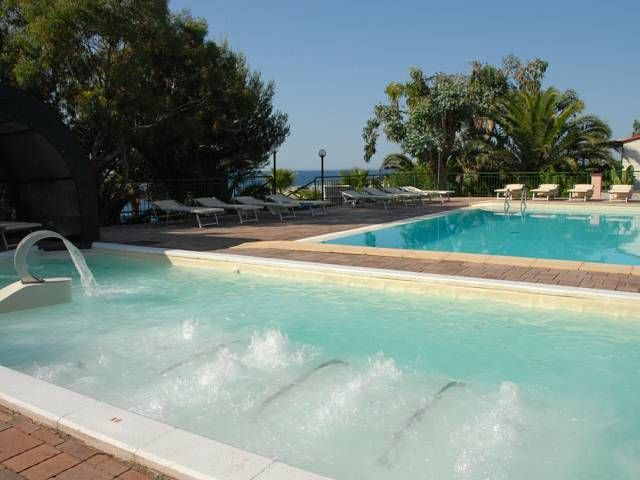 Camping Villaggio dei Fiori (Imperia) Liguria - IT (Top Mobile)