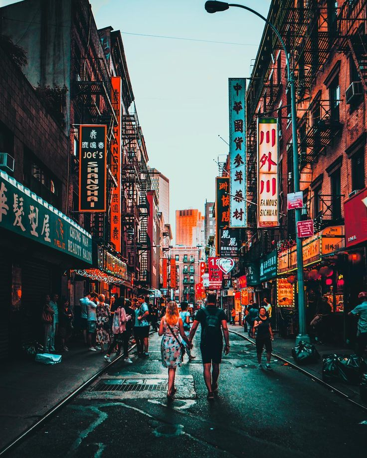 Chinatown Manhattan  New York City   Happy Valentines Day . . . . . #sonyalpha #newyork #artofvisuals #moodygrams #awesomedreamplaces #createcommune #aroundtheworldpix #theimaged #electric_shotz #vacations #fatalframes #beautifuldestinations #agameoftones #illgrammers #visualambassadors #ourplanetdaily #shotzdelight #travelawesome #earthfocus #heatercentral #ourmoodydays #lensbible #way2ill #createexplore #gramslayers #wonderful_places