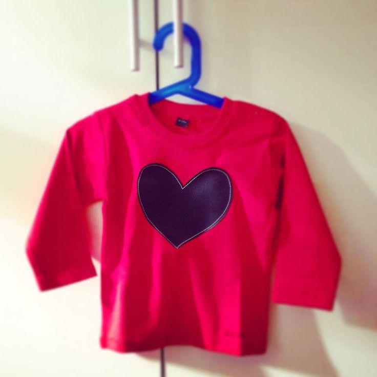 Una consegna fatta con tanto amore: questa maglietta di ZOko da oggi si trova in una nuova Galassia, quella della piccola Matilde a Berlino grazie a @legalattiche! La sua mamma Carlotta Caprini Weustenhagen le ha voluto fare questo bellissimo regalo.