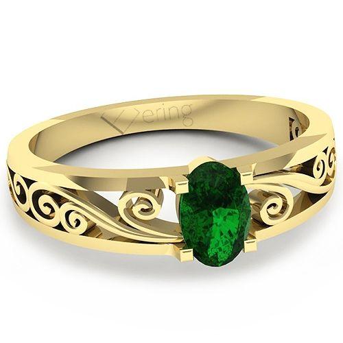 Inelul de logodna este format din: 1 x smarald, dimensiune: ~6.00x4.00mm, forma: oval