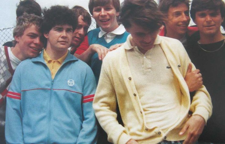 80s football casuals - 'Brian I think the double lemon clashes a bit'. 'D'ya think? mi mum wears it all the time'.