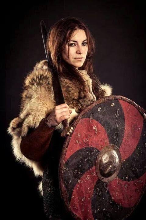 Viking-ish/Shieldmaiden.