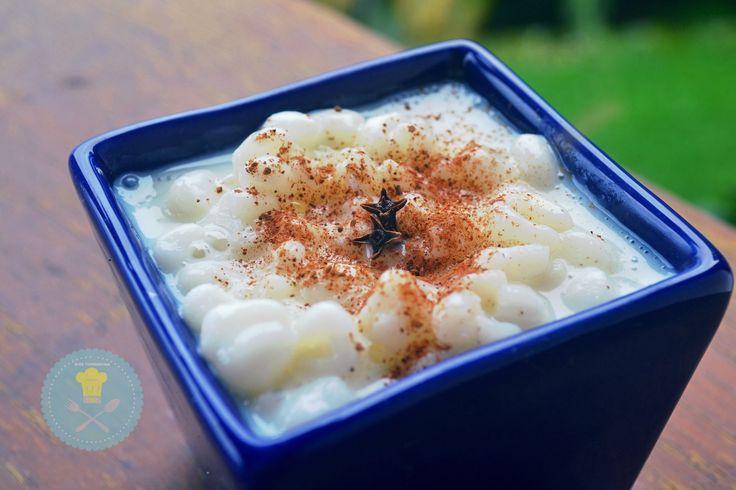 1 e meia xícara (chá) de milho para canjica 1 lata de Leite MOÇA® 1 medida (da lata) de Leite 1 pitada de canela em pó para polvilhar Coco ralado (opcional) &…
