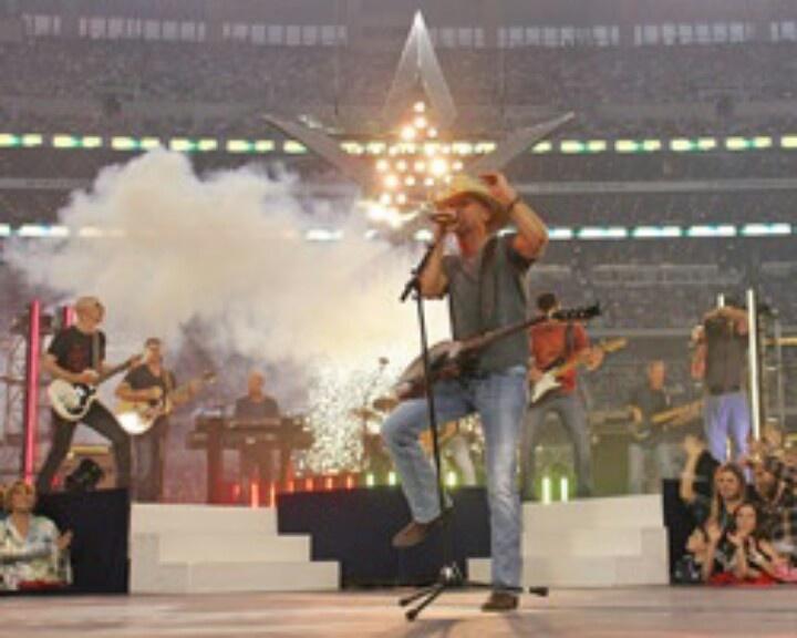 Cowboys stadium halftime show thanksgiving cowboys
