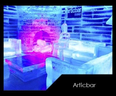 """Pasa una noche congelada con tus amigos en """"Artic Bar"""", y disfruta de los shots de tequila en los vasos hechos de hielo."""