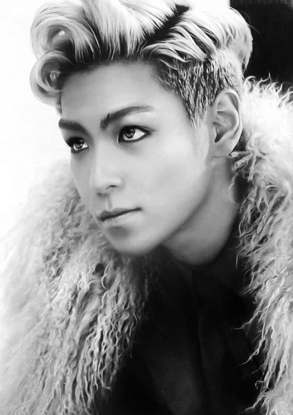 T.O.P (탑) of Big Bang (빅뱅)... woah look at his eyes i feel like i could stare at them forever