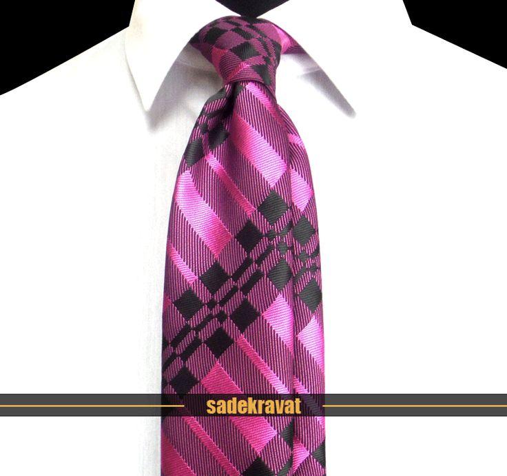 Pembe Siyah Ekose Orta İnce Kravat 3904 7 cm. Orta İnce Stil, Mikro Kumaş... www.sadekravat.com/pembe-siyah-ekose-orta-ince-kravat-3904 #kravat #kravatım #kravatmodelleri #tie #tieoftheday #pocketsquare #örgükravat #ketenkravat #ipekkravat #slimkravat #ortaincekravat #incekravat #gömlek #ceket #mendil #kravatmendilkombin #ofis #bursa #türkiye #çizgilikravat #şaldesenlikravat #ekoselikravat #küçükdesenlikravat #düzkravat #sadekravat