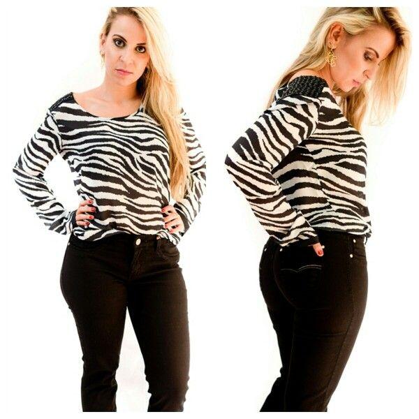 Blusa estampa animal print black & White. Com detalhe no  ombro.  Já  está disponível em nosso site.   Acesse já : WWW.SANTOLLO.COM.BR   WhatsApp : (34) 88112985  Comercial : (34) 33166586  Rua : Juca Marinho, 15 Uberaba /MG  #fashion #style #stylish #love #TagsForLikes.com #me #cute #photooftheday #nails #hair #beauty #beautiful #instagood #instafashion #pretty #girly #pink #girl #girls #eyes #model #dress #skirt #shoes #heels #styles #outfit #purse #jewelry #shopping