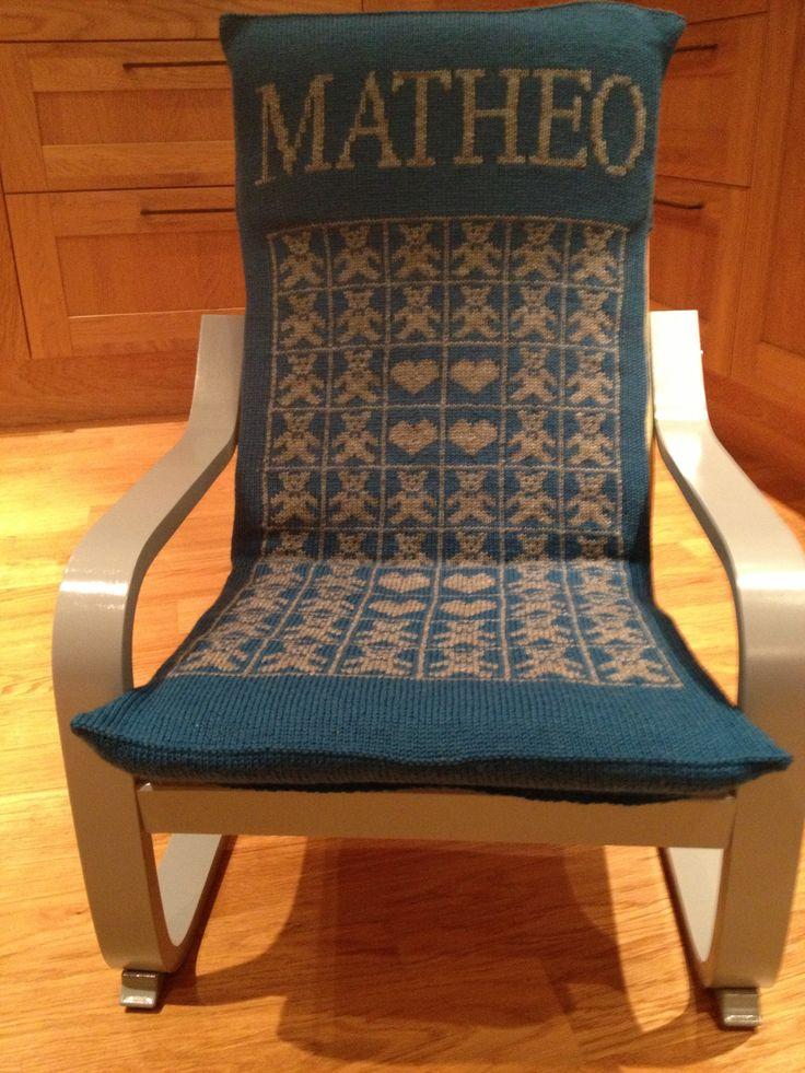 Trekk til Ikea barnestol - Matheo's 1 års presang - strikket i Sisu med mønster fra fra Bamseteppet