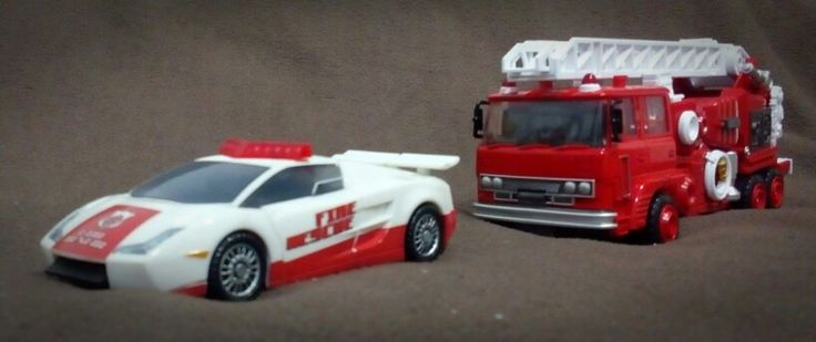 Hasbro Red Alert and Maketoys Hellfire (not) Inferno. Alt mode.