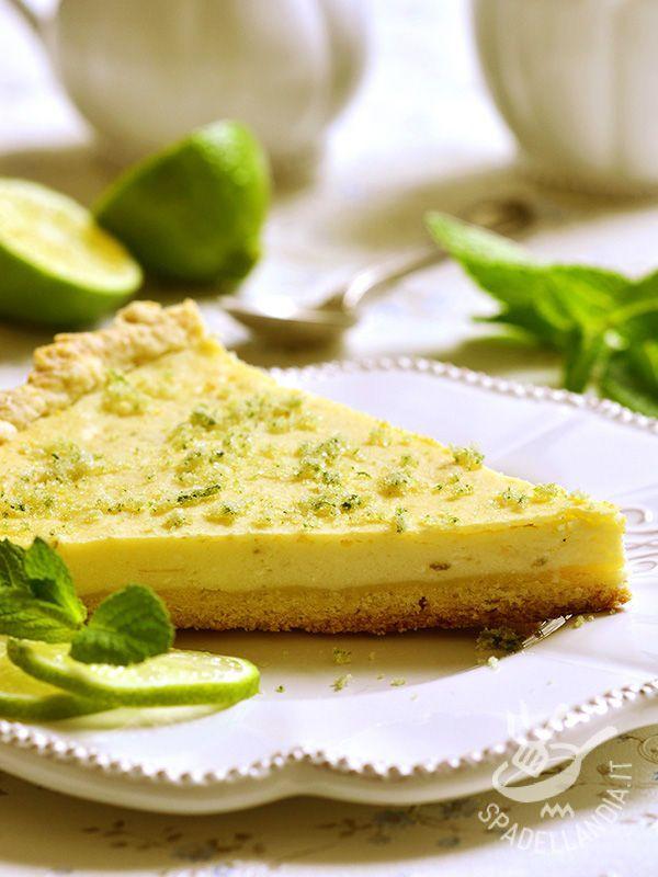 La Crostata al lime, dalla nota aromatica tipica delmojito, è un'idea diversa e originale per mettere in tavola un dessert freschissimo e delicato!