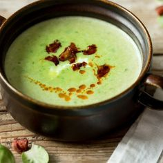 Cremige Rosenkohl-Suppe mit knuspriger Chorizo_featured