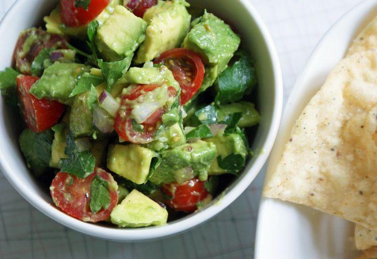 Heart-healthy chunky avocado salsa recipe #CincoDeMayo