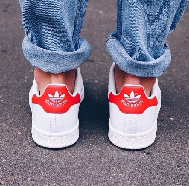 Red Stan Smith // A baggy jean type of day.