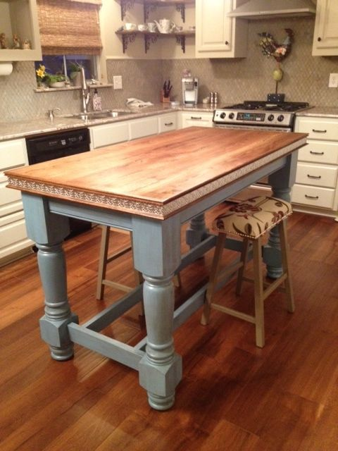 A cute Country style Island for the Kitchen! Love it and love the color combination.