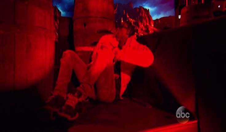 """Travi$ Scott Performs """"Antidote"""" on Jimmy Kimmel Live [Tv]- http://getmybuzzup.com/wp-content/uploads/2015/09/travis-scott1-650x380.png- http://getmybuzzup.com/travis-scott-performs-antidote/- By Jack Barnes Watch Travi$ Scott performing the track """"Antidote"""" live on Jimmy Kimmel. Enjoy this videostream below after the jump.  Follow me:Getmybuzzup on Twitter