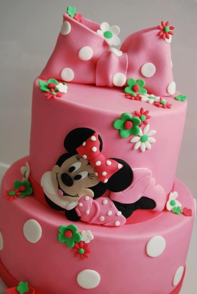 Pink Minnie Mouse Tiered cake FROM: http://media-cache-cd0.pinimg.com/originals/c2/62/58/c262583c48de61c8c6b041f179f538db.jpg