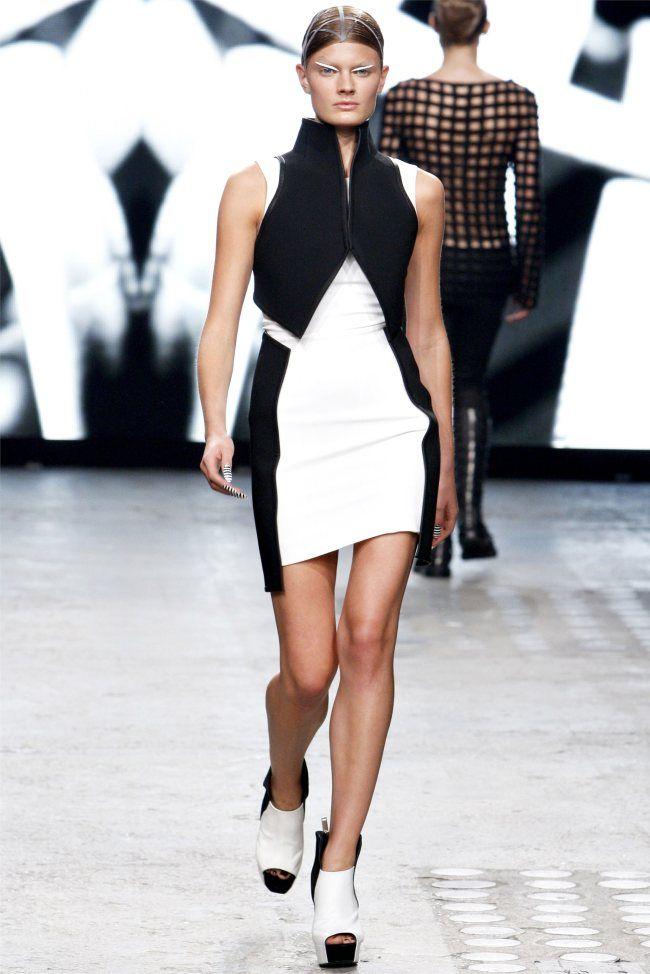 Gareth Pugh Spring 2012 | Paris Fashion Week