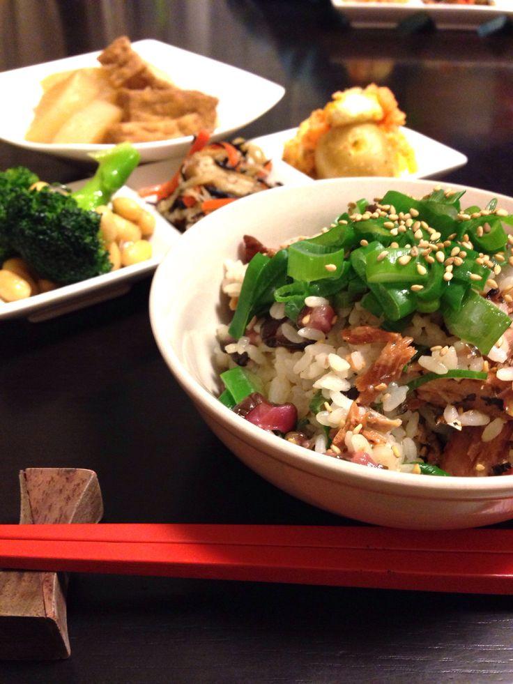 今日の晩ごはん。さんま蒲焼と柴漬けの混ぜご飯など。