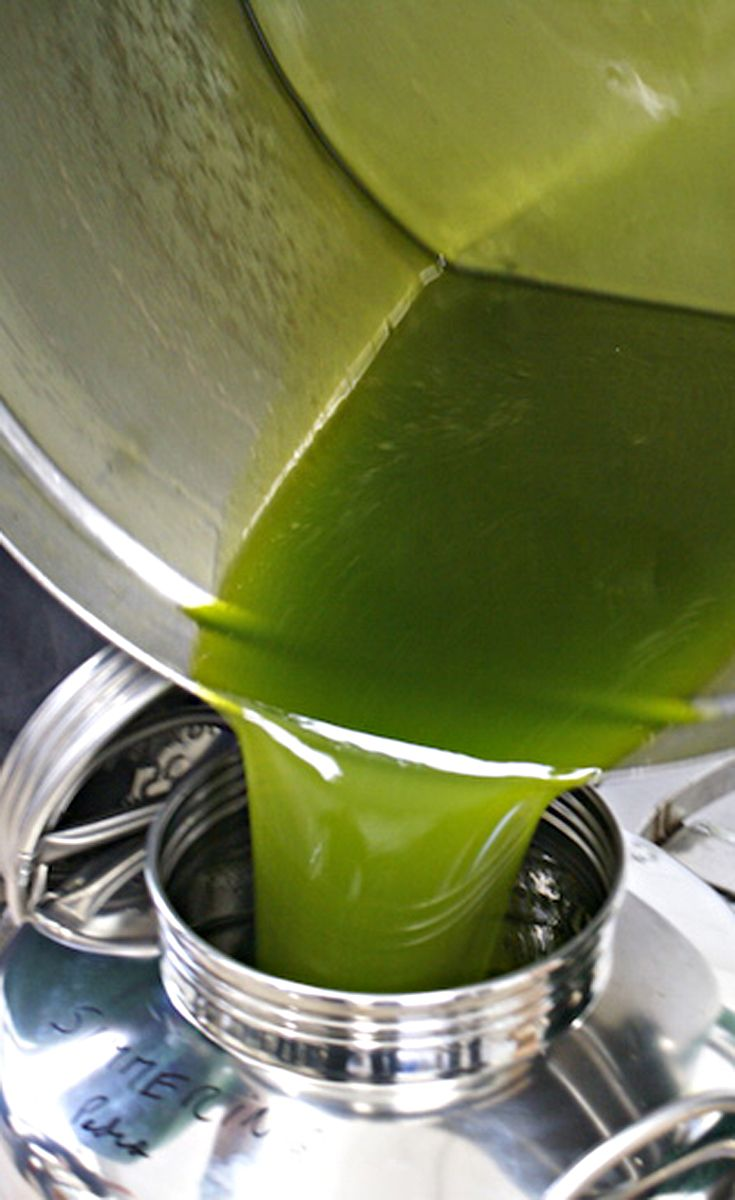 Olio fresco - olio extre vergine di oliva - fresh oil. We do believe the very best olive oil in the world is from Montalbano in Tuscany.