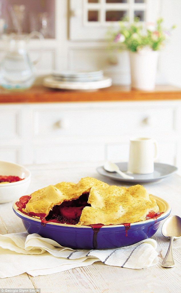 Mary Berry Family Sunday Lunches Higgledy Piggledy Pie Mary Berry Mary Berry Recipe Recipes