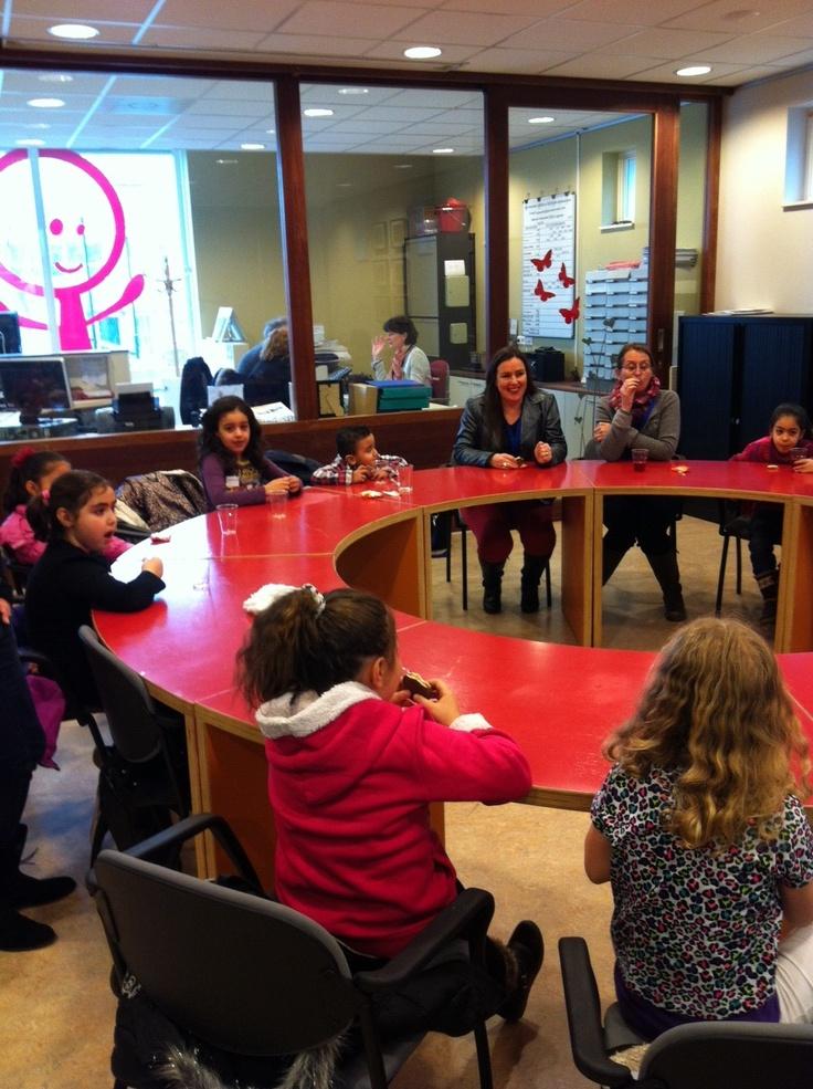 Na de introductie door #samenvoorEHV sluiten de kinderen aan om kennis met de #vrijwilligers te maken #NLdoet