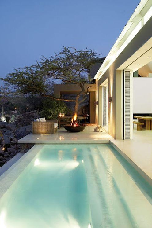 revestimentos-para-piscinas-no-blog-do-roberto-reis-design-arquitetura-arte-azul-piscinas-reta.jpg 496×746 pixels