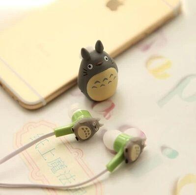 Encontrar Más Auriculares Información acerca de Kawaii Totoro dibujos animados en la oreja del auricular del auricular del auricular reproductor de música portátil FOD, alta calidad Auriculares de House of Novelty en Aliexpress.com