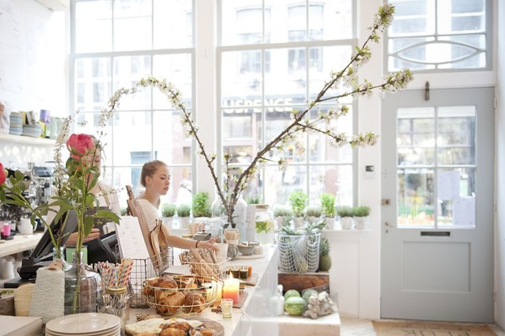Pluk, 9 Straatjes Amsterdam: great breakfast/lunch spot with delicious cakes. REESTRAAT 19, Amsterdam