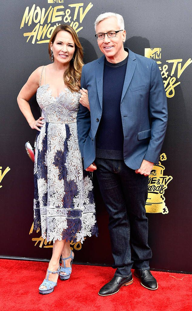 Dr. Drew & Susan Pinsky from MTV Movie & TV Awards 2017: Red Carpet Arrivals  This celebrity doctor is leaving any Teen Mom drama behind for a date night with his wife.