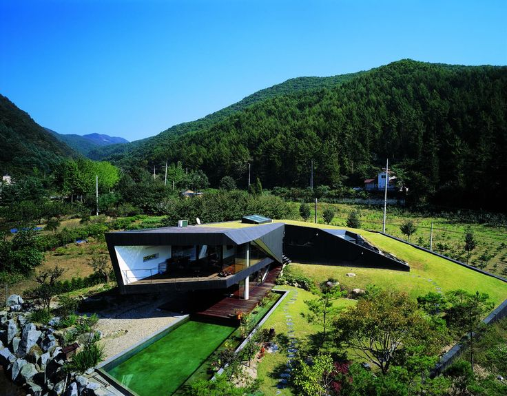 Building of the day - Villa Topoject Gyeonggi-do, South Korea by AND Architects http://www.archdaily.com/161360/villa-topoject-and