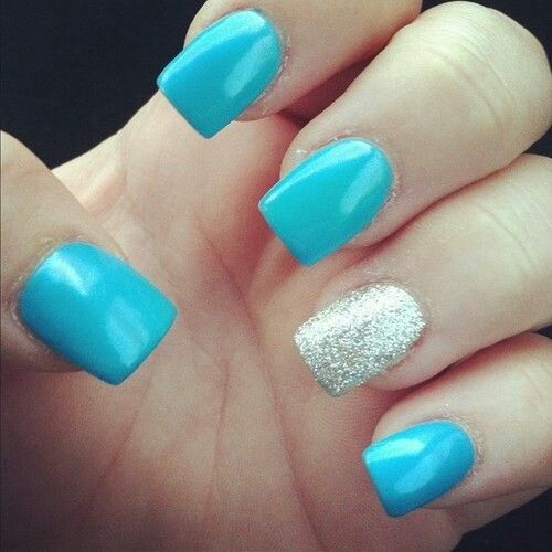 light blue nails and sparkly �hair makeup and nails