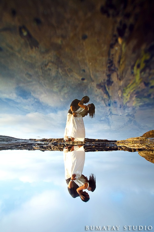 love. e-session. engagement. wedding. marriage. ocean. beach. reflection. couple. relationship