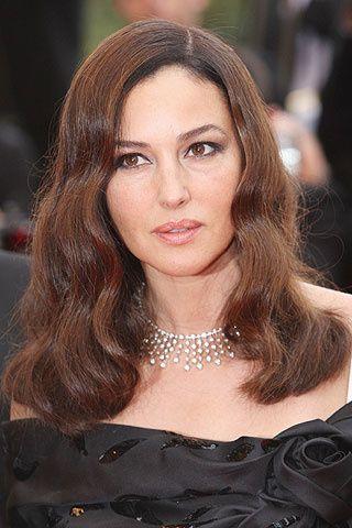 Detalle de la gargantilla de diamantes de Cartier que llevó Monica Bellucci en la premiere de la película Wild Blood.