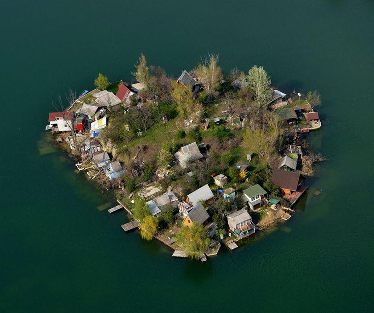Csepel-Szigetszentmiklósi Kavicsbánya tavak tó-és szigetrendszere