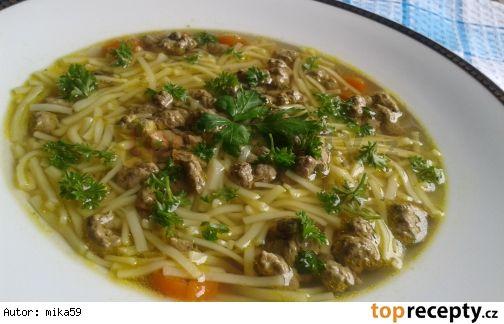 Slepičí polévka s játrovou rýží