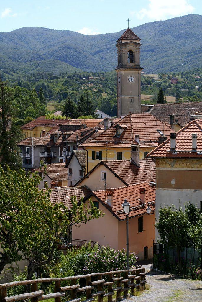 Vista su Sassello ( SV ) dalla Bastia soprana