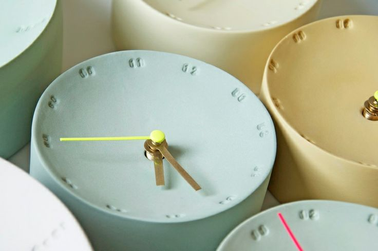 Porcelain clocks:  Femke Roefs in collaboration with Elke van den Berg