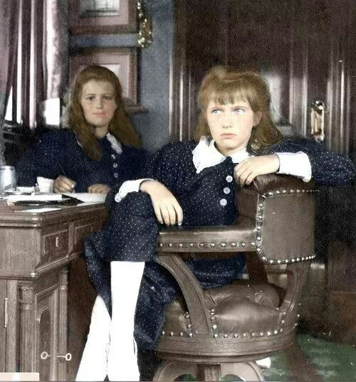 Grand Duchesses Maria and Anastasia Nikolaevna Romanova of Russia (colourised).A♥W