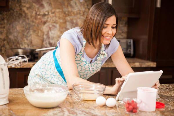 Petunjuk lengkap 25 aneka cara membuat kue tradisional dan kue modern